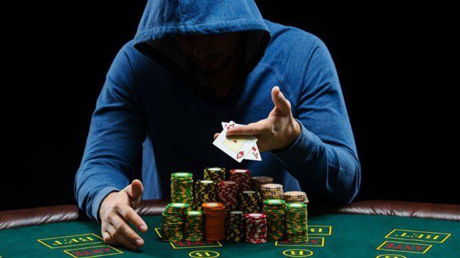 Quanto guadagna un giocatore di poker online professionista