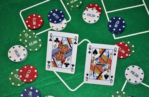 scala straight tris three of a kind doppia coppia two pair coppia one pair e carta alta high card