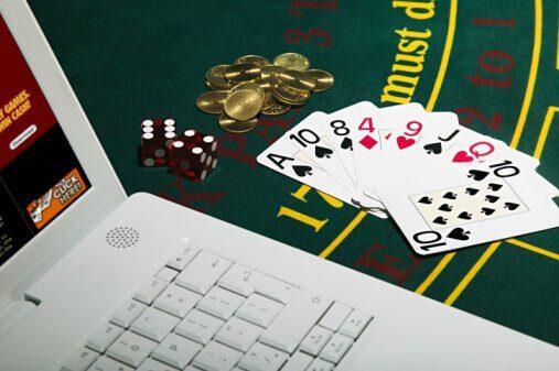 come giocare al meglio a poker online